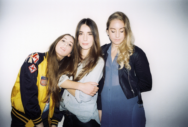 HAIM They don't have to ''Pray to God'' savoir ville (2)