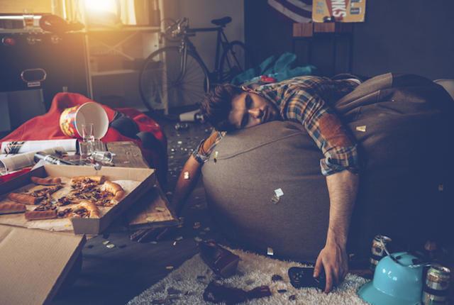 Γιατι προτιμαμε τα λιπαρα φαγητα οταν ειμαστε hangover;