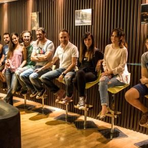 Ολόκληρη η ομάδα (απουσιάζει η Λίλλυ Φιλοπούλου και οι Disconnected)