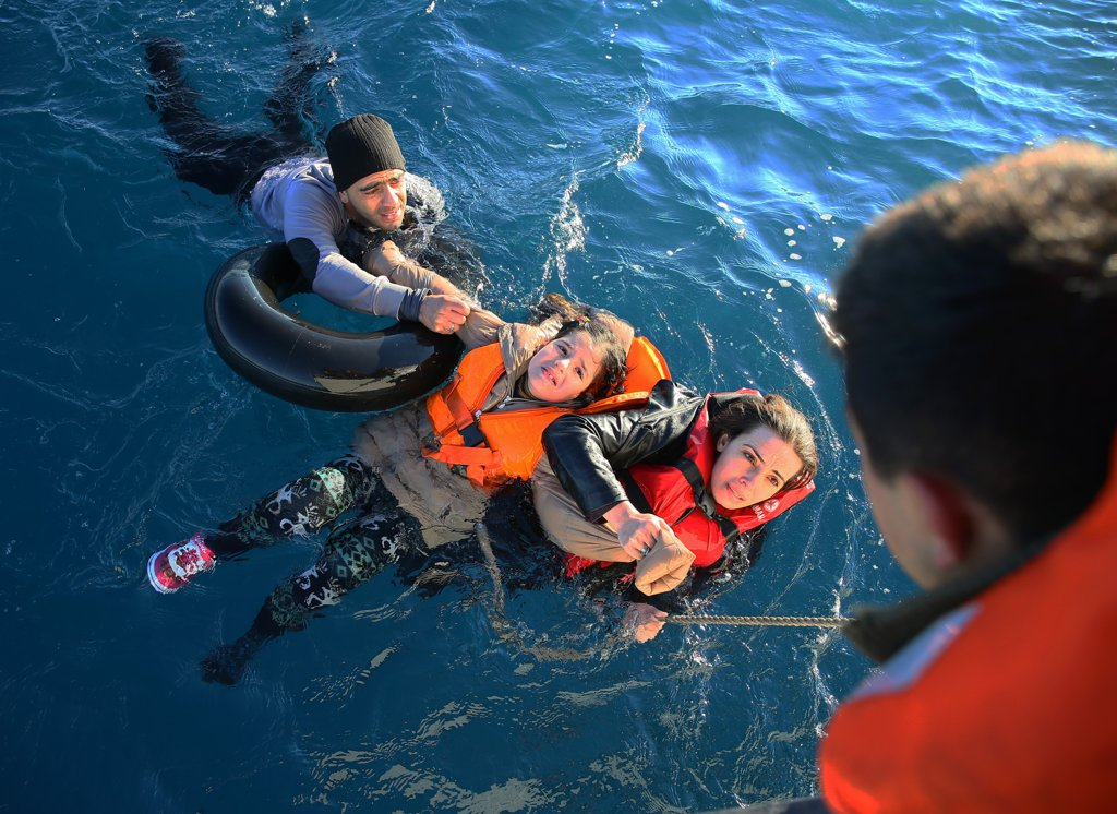 january-22-turkish-coast-guard-rescues-refugees-turkey-aydin-after-dinghy-toppled-over-en-route-greece