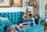 Linda Rodin: Η φανταστική 70χρονη που δεν βάφει ποτέ τα μαλλιά της αλλά έχει τη δική της εταιρεία καλλυντικών
