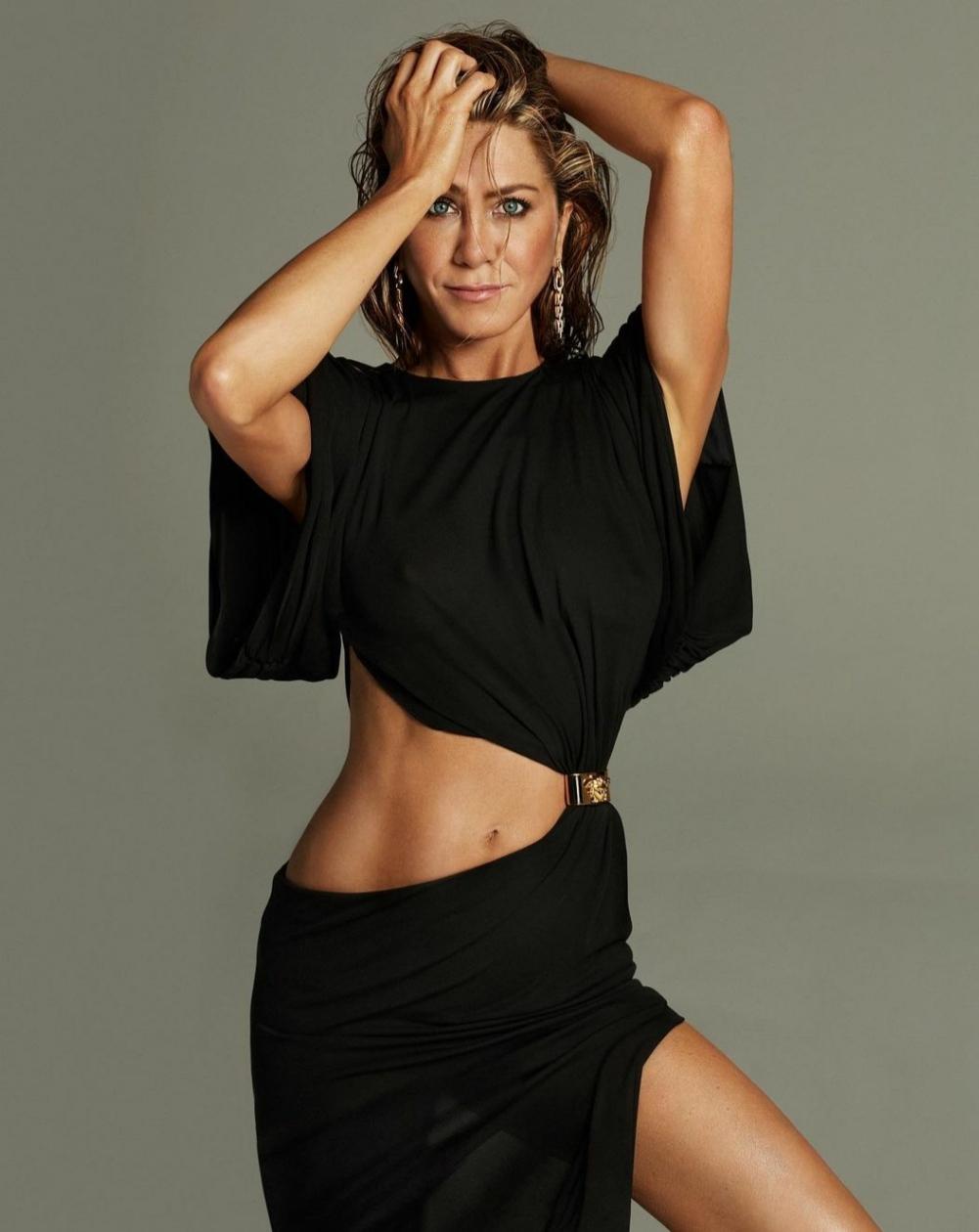LolaVie Όλα όσα γνωρίζουμε για το beauty brand της Jennifer Aniston