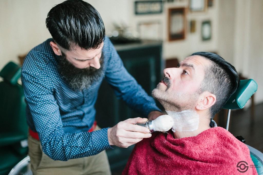 Los Barberos Αυτοι μεχρι και μουστακι θα σε βαλουν να ξυρισεις (5)