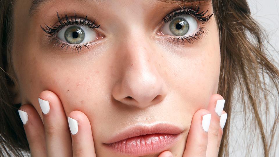 Makeup Remover vs Cleanser μάθε τις διαφορές τους και τι από τα δύο είναι καλύτερο να επιλέξειςMakeup Remover vs Cleanser μάθε τις διαφορές τους και τι από τα δύο είναι καλύτερο να επιλέξεις