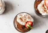 Mousse σοκολάτας με αβοκάντο