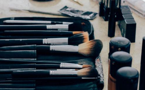 Το απαραίτητο φρεσκάρισμα της make-up συλλογής σου για την άνοιξη