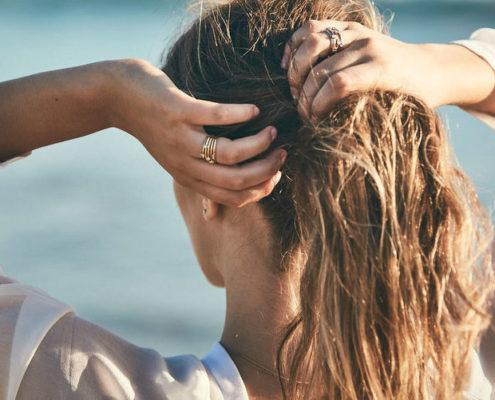 Έχεις σκεφτεί ποτέ τι μπορεί να σημαίνει για εσένα ο τρόπος που φοράς τα δαχτυλίδια σου;
