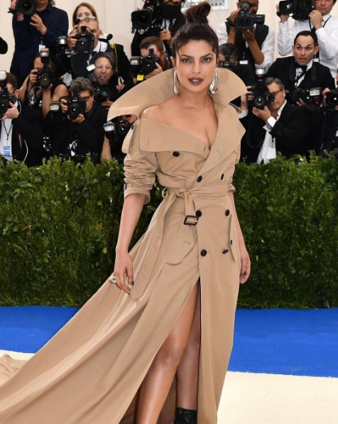 priyanka-chopra-at-the-met-gala-2017-2