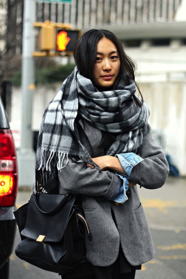 street-style-cozy-plaid-scarves-1