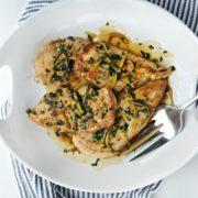 Κοτόπουλο στο τηγάνι με λεμόνι και σκόρδο