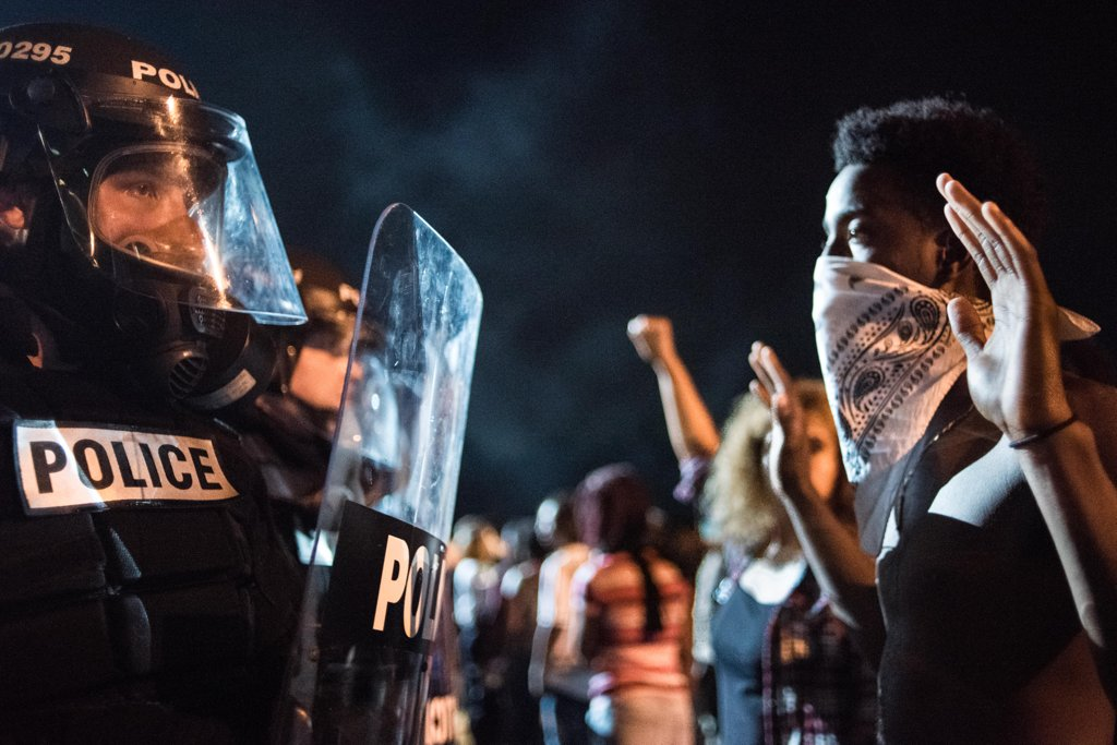 september-21-police-officers-face-off-protesters-after-fatal-shooting-keith-lamont-scott-north-carolina