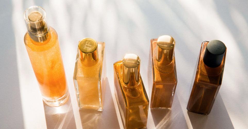 8 body oils με shimmer που θα κάνουν το μαύρισμά σου να φαίνεται τροπικό