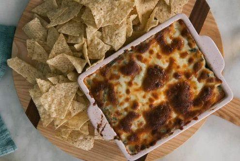 Dip με αγκινάρα και σπανάκι, ιδανικό για τα nachos σου