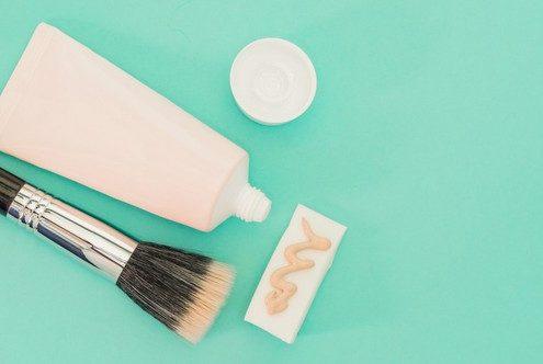Tι είναι όλα αυτά τα διαφορετικά σφουγγαράκια του makeup που κυκλοφορούν;