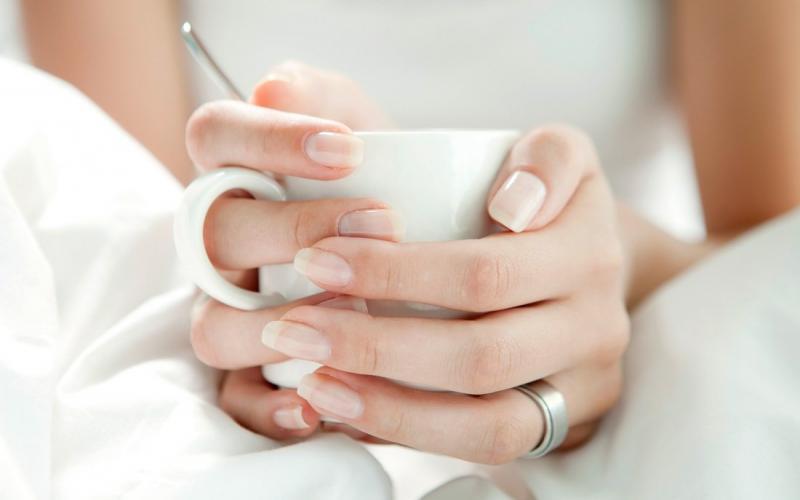 Tο Oat Milk είναι η εκδοχή του γαλλικού μανικιούρ για το 2021
