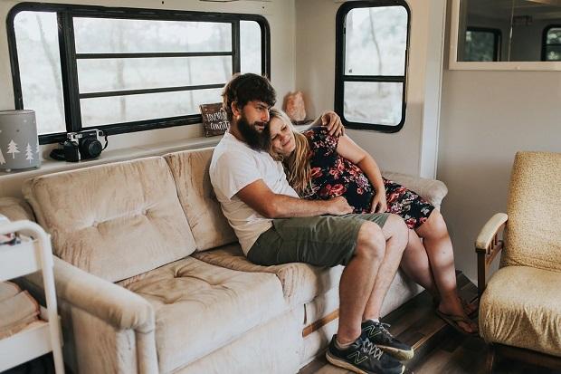 Βρήκαμε τα 4 πράγματα που κάνουν τα ευτυχισμένα ζευγάρια