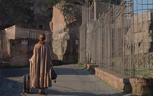 Η υψηλή ραπτική του Valentino και ο κινηματογράφος μπλέκονται στην νέα ταινία του Luca Guadagnino