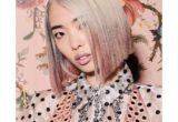 Tinsel Hair Color: το νέο trend ταιριάζει απόλυτα με τη γιορτινή σου διάθεση