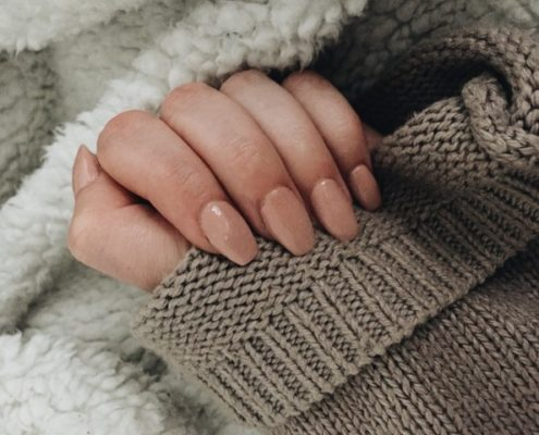 To 'less is more' θα γίνει ακόμη πιο δημοφιλές στα nail looks μέσα στο 2021