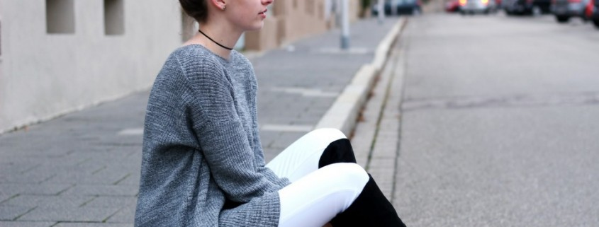 Trend Alert: White jeans στην καρδιά του χειμώνα