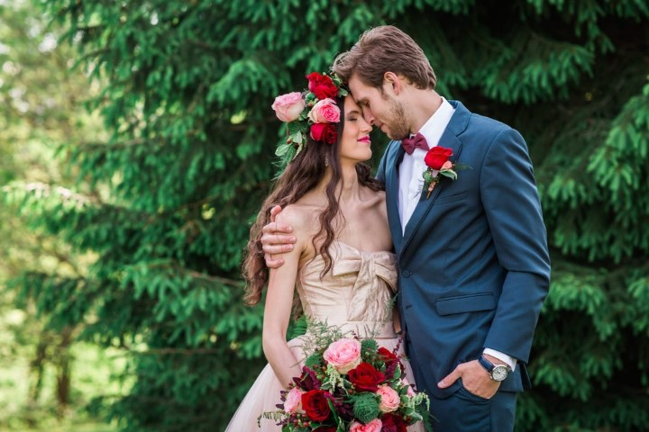 woodsy-pink-bohemian-wedding-small