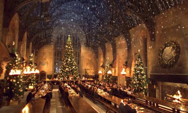 You_can_actually_have_a_Harry_Potter_Christmas_feast_in_the_Great_Hall_at_Hogwarts___