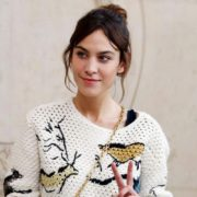 12 outfits της Alexa Chung που θα θες να φοράς ξανά και ξανά