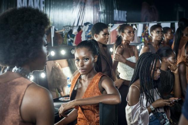Οι καμπυλες κατεκτησαν την εβδομαδα μοδας στο Λαγος