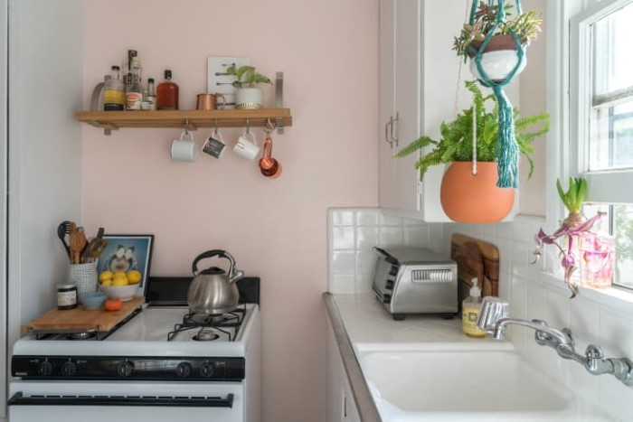 20 Pretty, Picture-Perfect Pink Kitchens