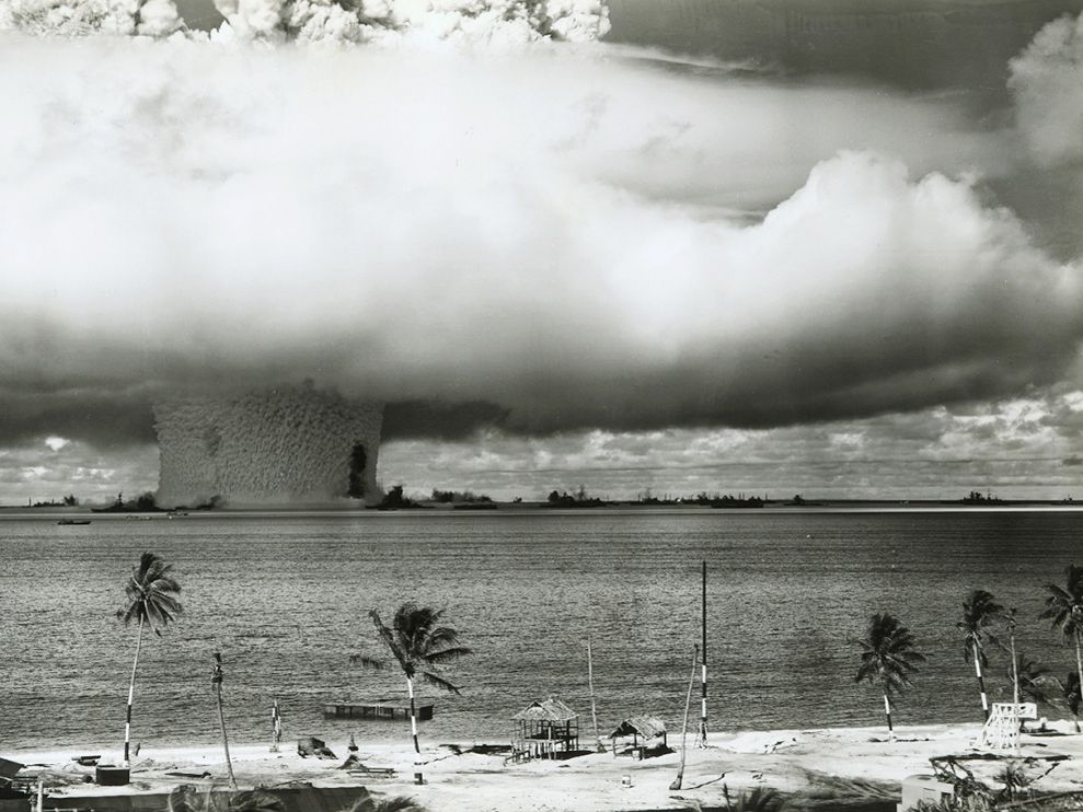 atom-bomb-bikini-atoll_8003_990x742
