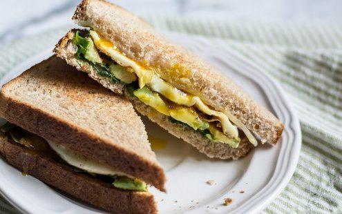 Sandwich με σπανάκι και αυγό