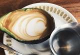 Avolatte: Η νέα μόδα στο σερβίρισμα του καφέ!