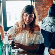 Οι σημαντικές αποφάσεις για τις φιλίες που πρέπει να πάρεις στα 20