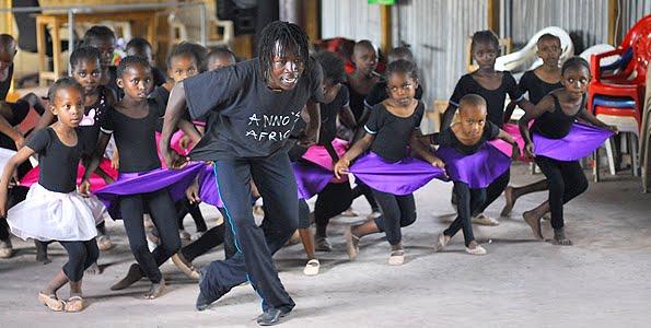 Το μπαλετο δινει ελπιδα στα παιδια στη Κενυα