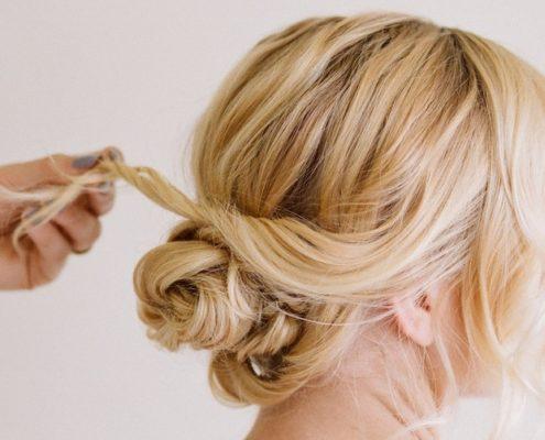 Εύκολα hairstyles για όταν έχεις βρεγμένα μαλλιά στην παραλία ή στην πισίνα