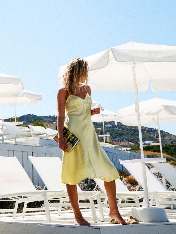 beach-outfit-ideas-123475-1498818015772-image-600x0c