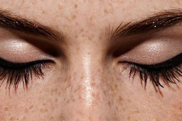 beauty-dictionary-e-for-eyeliner-savoir ville