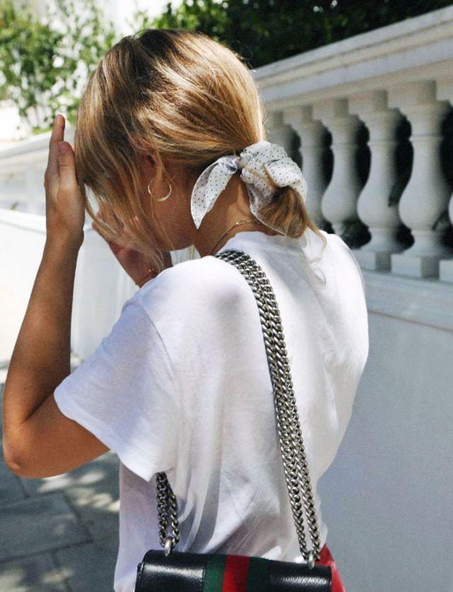 best-printed-scarves-230841-1501154386901-main-640x0c