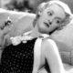 Τα 2 απλά βήματα της Bette Davis για ξεκούραστα μάτια