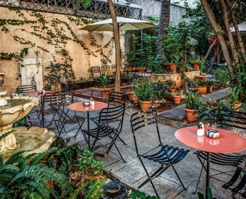 5 bars της Αθήνας που θα σε βάλουν από τώρα σε mode καλοκαιριού