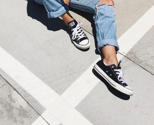 black-sneaker