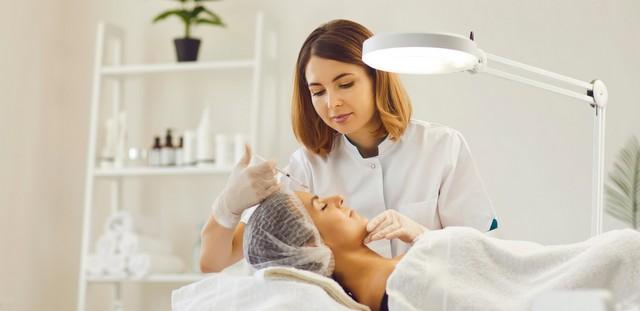 Botox: Τι ισχύει για τη βλεφαρόπτωση και τις παρενέργειες που έγιναν viral