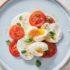 Caprese με αυγά για πρωινό