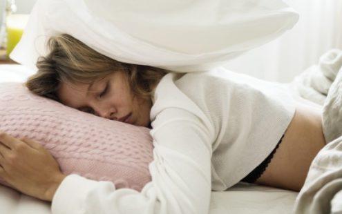 Αυτή η στάση ύπνου σου υπόσχεται ένα πραγματικά ευχάριστο ξύπνημα