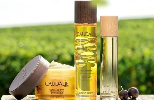 caudalie-divine-bath-and-body-oil-lifestyle_1024x1024