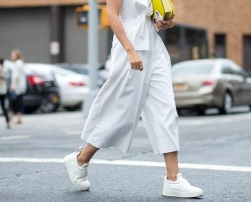 Αυτά είναι τα αγαπημένα slip on sneakers των Style Bloggers