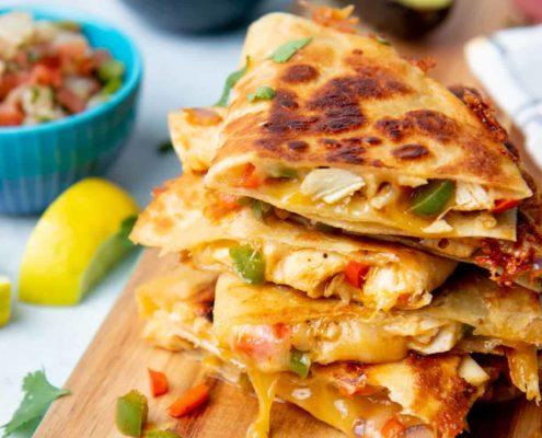 Η συνταγή για εύκολα quesadillas με κοτόπουλο