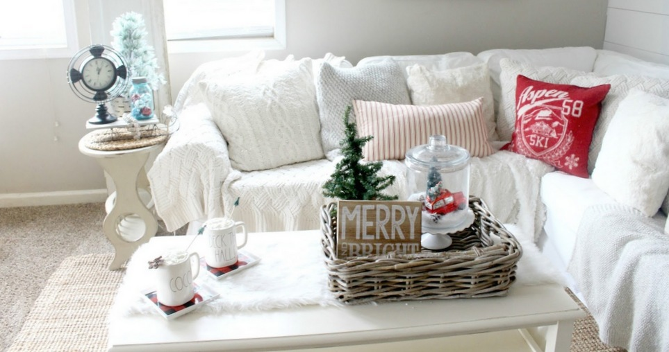 Έτσι θα διακοσμήσουν το coffee table τους αυτά τα Χριστούγεννα πέντε διακοσμητές