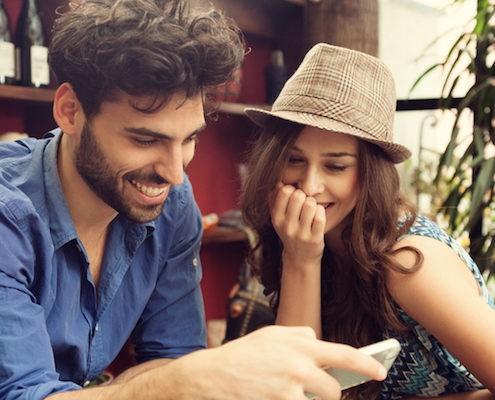 Η παράλληλη σχέση που έχεις ξεκινήσει χωρίς να το καταλάβεις (και πώς να τη σταματήσεις)