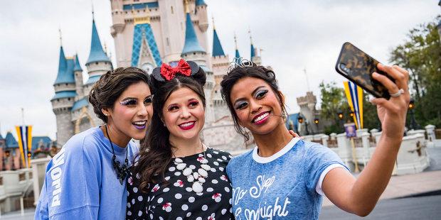 Αγαπητοί Millenials, είναι ΟΚ να λατρεύετε την Disney